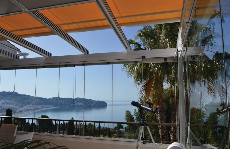 Amasvista for glass curtains and quality awnings... open up your views