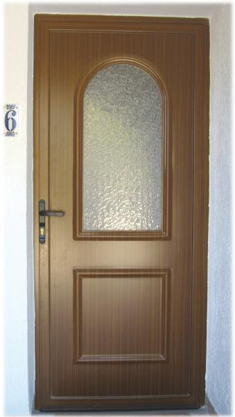 LUX-AL for high quality wood grain finish doors in Aluminium