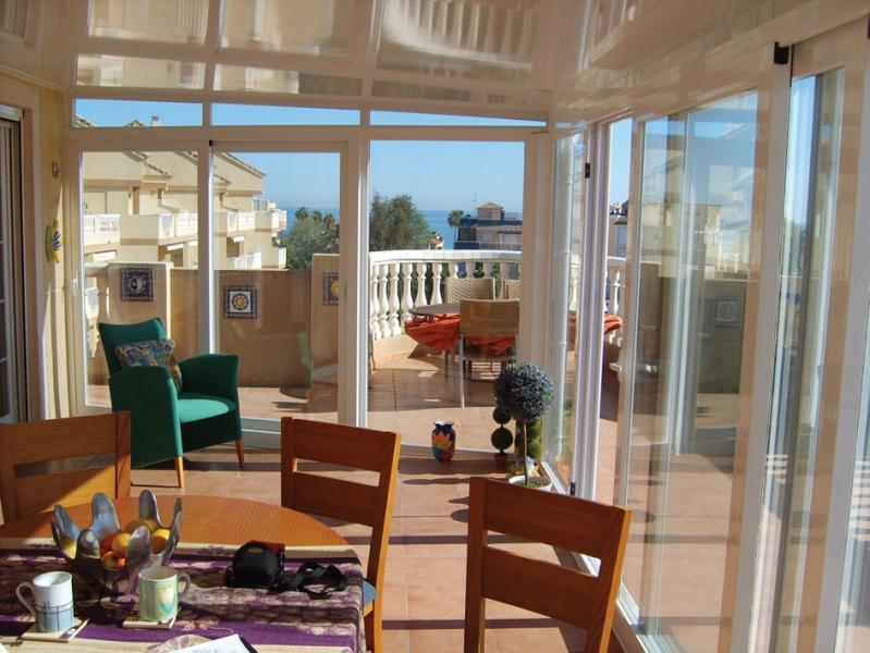 LUX-AL for conservatories with a fixed or retractable roof