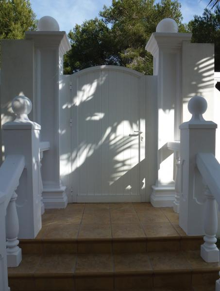 Garden gates from LUX-AL, easy to clean and never paint again